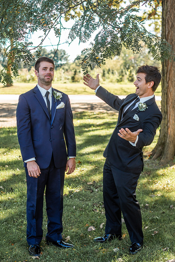 Real Fall Wedding at Williams Tree Farm in Rockton Illinois (20)