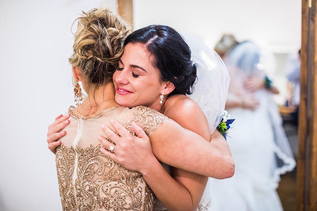 Real Fall Wedding at Williams Tree Farm in Rockton Illinois (23)