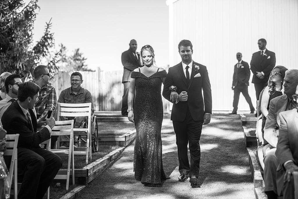 Real Fall Wedding at Williams Tree Farm in Rockton Illinois (29)