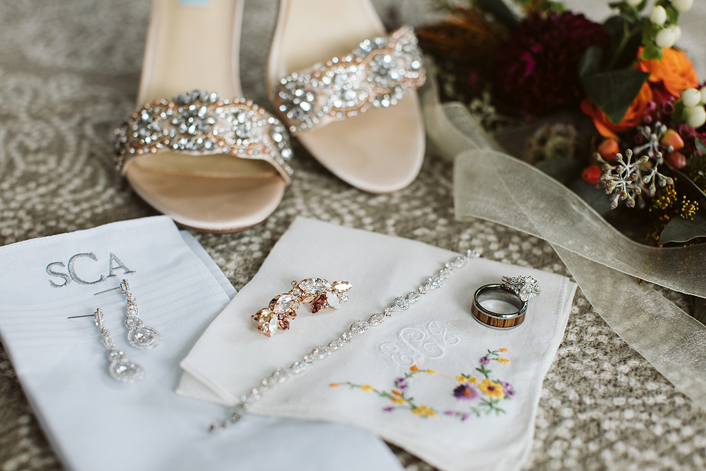 all of the brides details on her wedding day