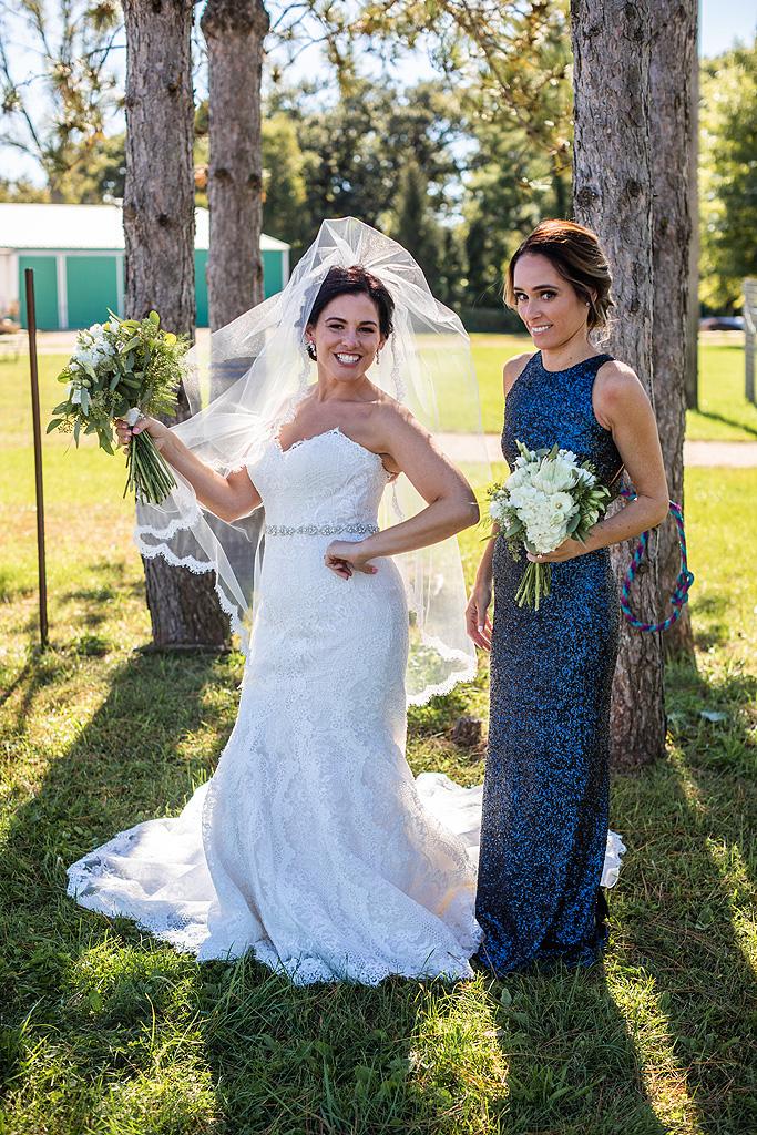 Real Fall Wedding at Williams Tree Farm in Rockton Illinois (13)