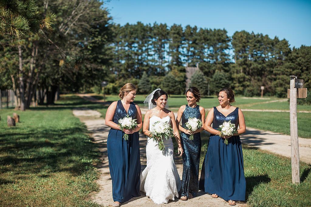 Real Fall Wedding at Williams Tree Farm in Rockton Illinois (15)