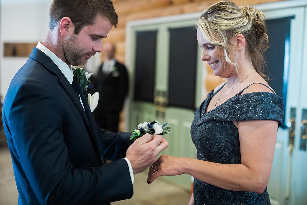 Real Fall Wedding at Williams Tree Farm in Rockton Illinois (19)