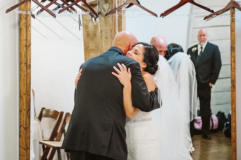 Real Fall Wedding at Williams Tree Farm in Rockton Illinois (27)