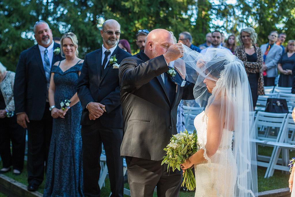 Real Fall Wedding at Williams Tree Farm in Rockton Illinois (34)