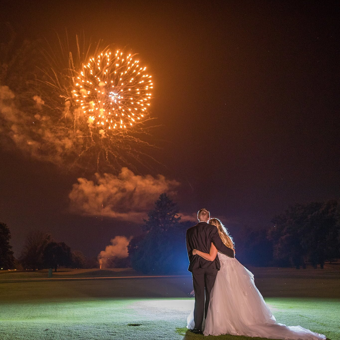 wedding with fireworks at rockford country club in rockford illinois