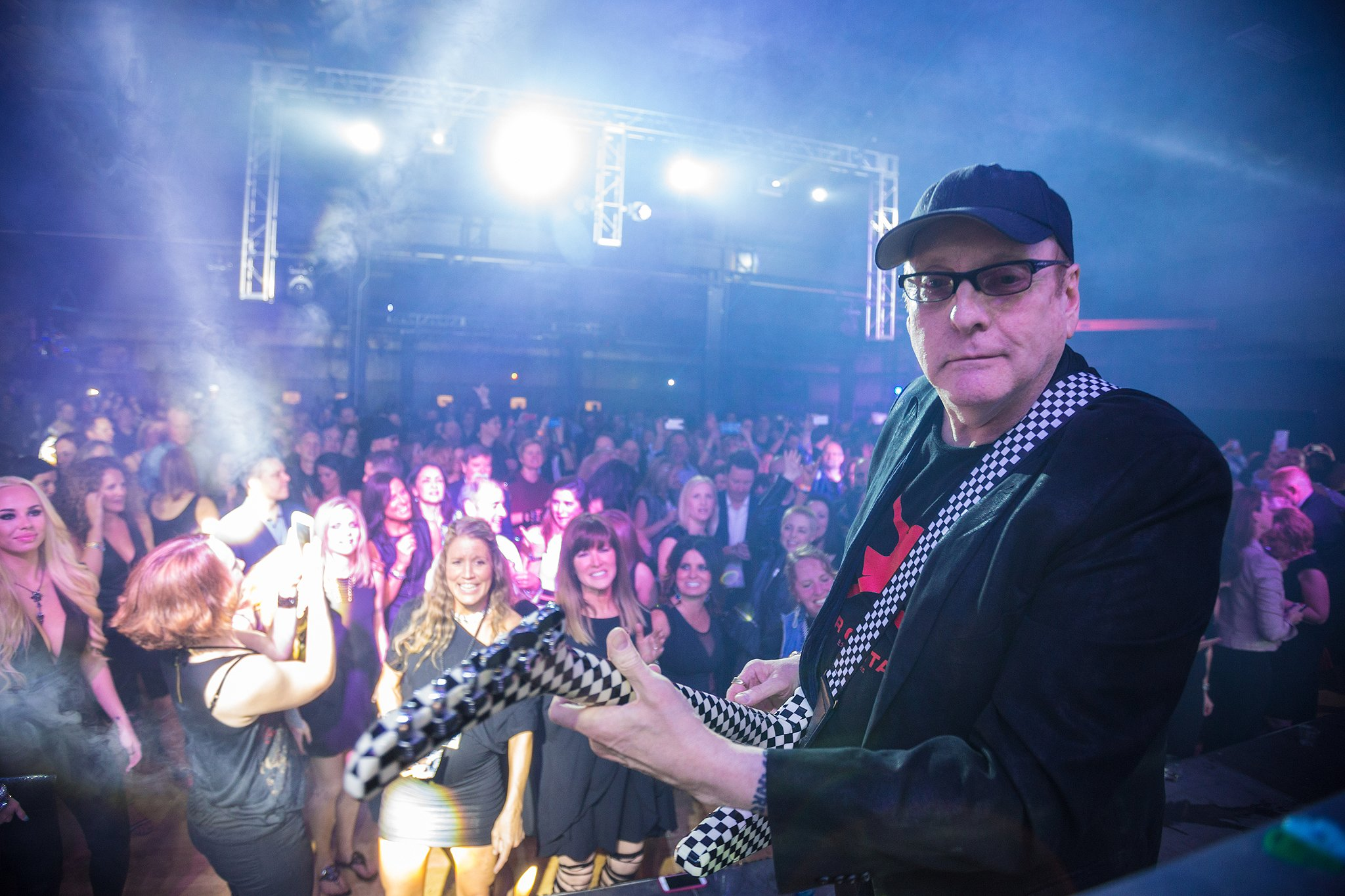 photograph of rick nielson from cheap trick
