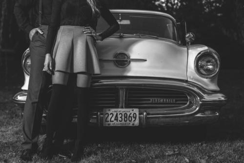 ENGAGEMENT PHOTOGRAPHY SESSION  with a classic car