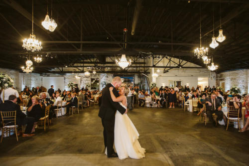 first dance for couple at venue chisca in peoria illinois